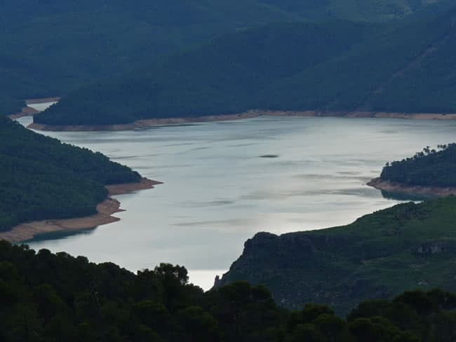Lake of Tranco de Beas