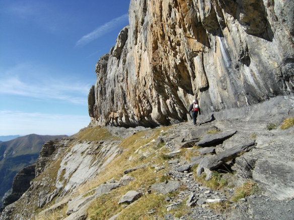 hiking trails in the Spanish Pyrenees