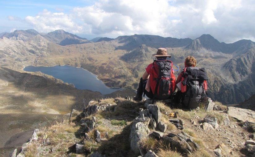 13 Ideas para regalar a un padre amante del senderismo y la montaña