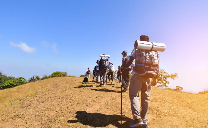 El equipo necesario para hacer senderismo en verano