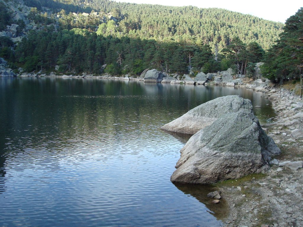 Rutas de senderismo con agua Laguna Negra de Urbión