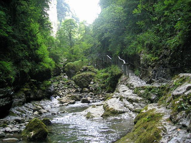 Sorprendente ruta de senderismo en Aquitania, Las gargantas de kakueta