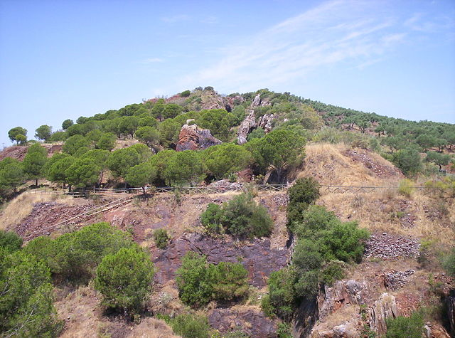Jayona mine, hiking in Extremadura.