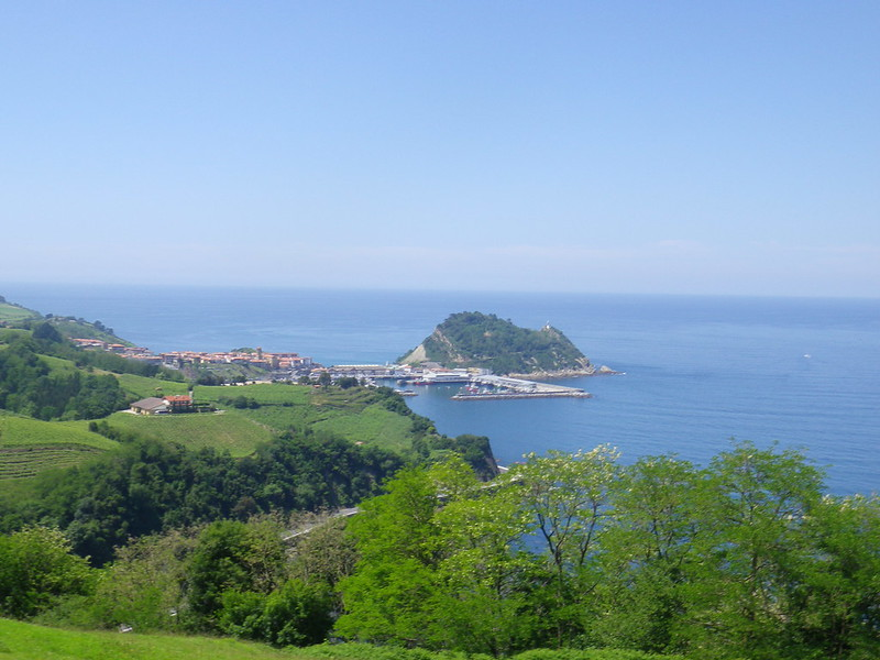 trails for running through Zarautz