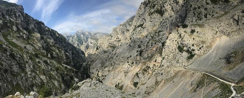 Senderos de trail por Cares, españa